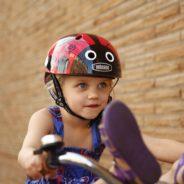 Otroške čelade pazijo na cele glave