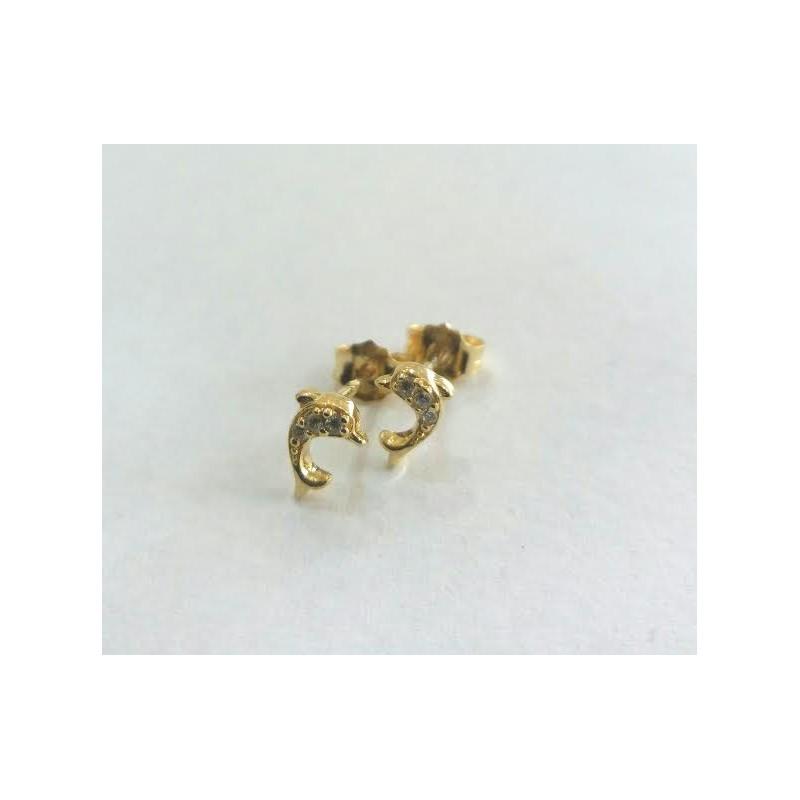 Naj zlati uhani poskrbijo, da boste ob večerih zares sijale!